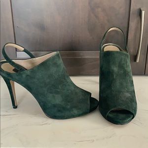 Green suede Arielle heels